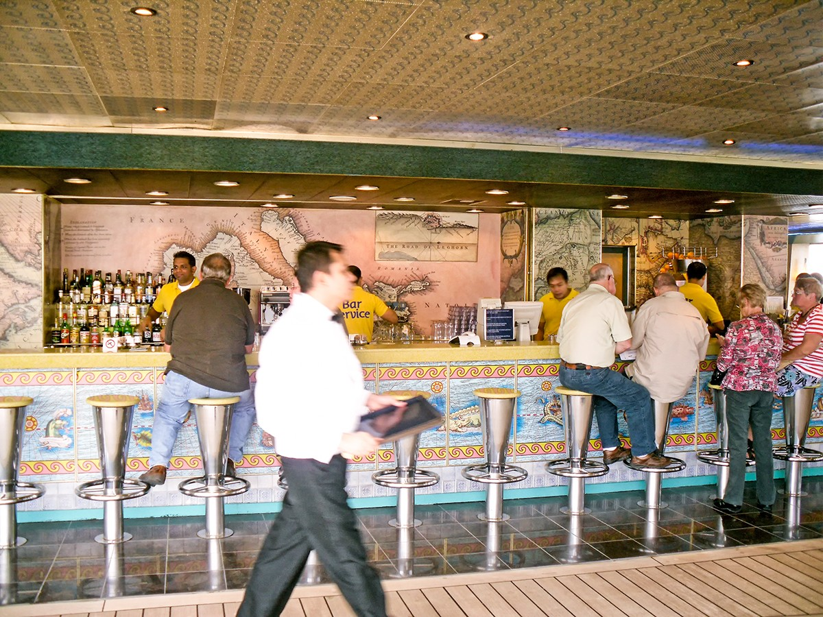 Costa Fortuna - Bar Lido Oceania (Deck 9)